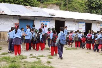 신두팔촉의 시리 세티데비(Shree Setidevi) 임시학교