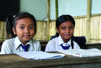 """""""우리들은 아동교육심리지원센터에서 게임도 하고 노래 부르기와 춤도 췄어요. 그리고, 지진이 발생할 때 겪은 경험도 글로 적어보았어요. 아동교육심리지원센터에 갈 수 있어서 너무 즐거웠고, 배울 수 있어서 너무 좋았어요.""""  박타푸르(Bhaktapur) 아동교육심리지원센터 참가 아동, 아리나 (Alina 여, 10세)"""