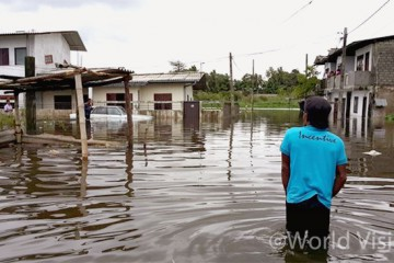 물에 잠긴 스리랑카 마을(사진출처: 월드비전)