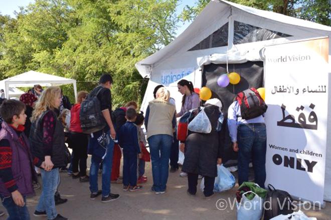 유니세프와 함께 밥스카(Bapska) 국경 지역에 설치한 월드비전 아동보호심리센터(CFS)의 모습 (출처: 월드비전)