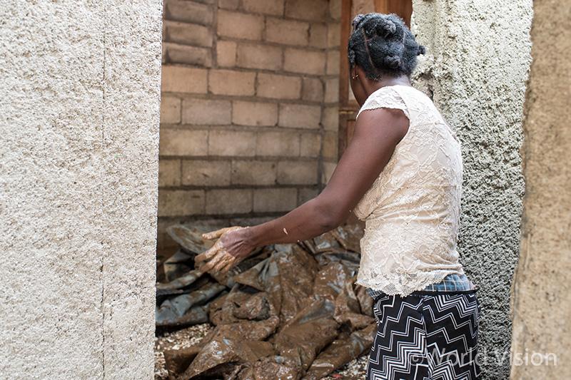 mobile_img_Haiti_20161019_02