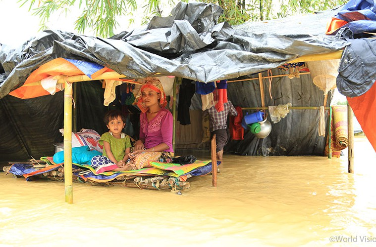 relief_MyanmarBangladesh_20171012_02