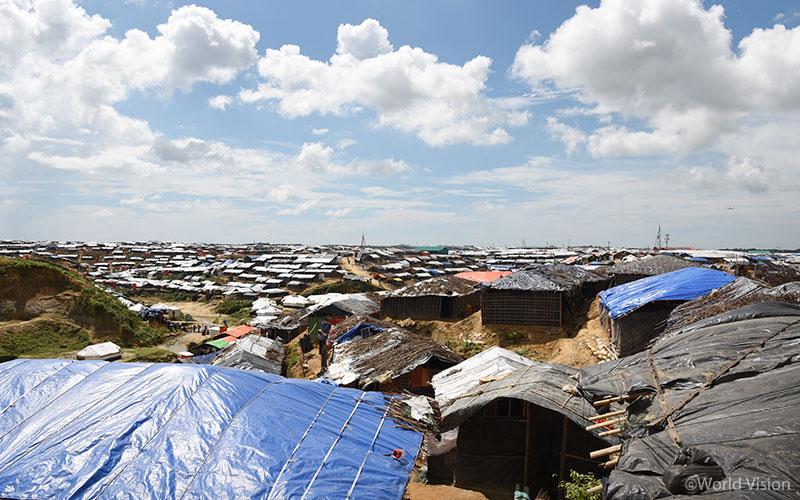 방글라데시 쿠투팔롱 난민촌의 전경(출처: 월드비전)