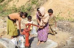 깨끗한 물을 마실 수 있도록 설치된 식수 펌프(출처: 월드비전)