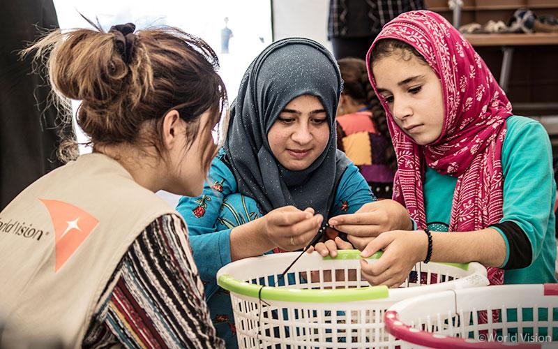 월드비전은 이라크에서 시리아 난민 아동을 위해 심리사회적 지원과 아동교육을 진행하고 있다. 사진출처: 월드비전