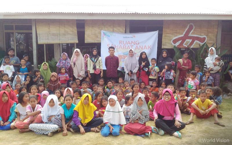 ▲ 월드비전은 지진 피해가 극심한 마을 두 곳에서 740명의 아이들에게 심리사회적 안정을 위한 활동을 진행하였습니다 (출처: 월드비전)