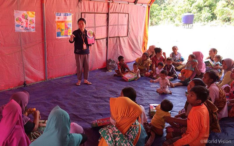 ▲ 월드비전은 아이를 둔 부모를 대상으로 영양 교육과 안전한 조리법에 대한 교육을 진행하였습니다 (출처: 월드비전)