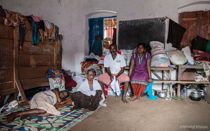 ▲ 홍수 피해로 집을 잃은 주민들은 파타남티타(Pathanamthitta)지역의 한 학교로 피신하여 생활하고 있습니다. (출처: 월드비전)
