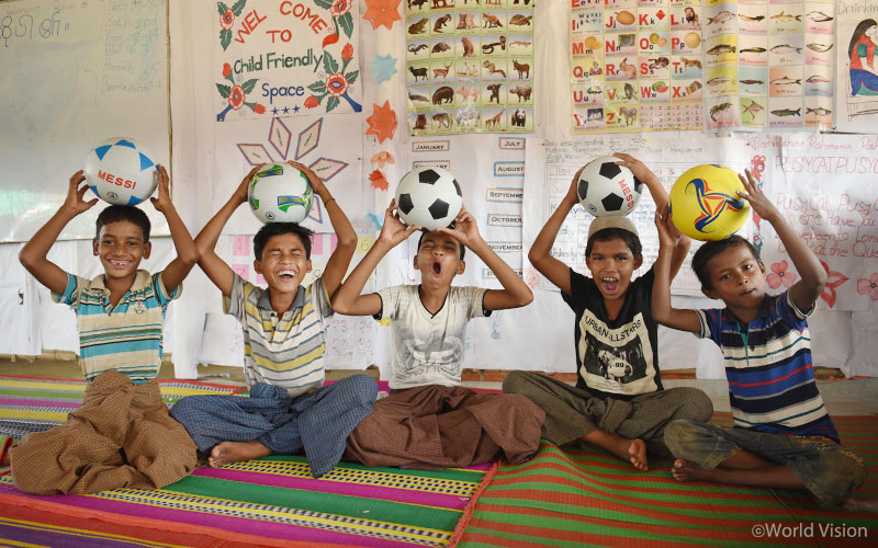 아동심리보호센터에서 마음껏 웃고 있는 야곱(Yacob)과 친구들의 모습 (출처: 월드비전)