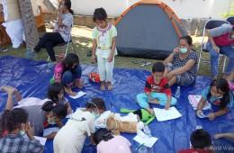 ▲ 월드비전은 지진과 쓰나미로 피해를 입은 아동의 안전과 건강을 보장하기 위해 영유아 수유 및 영양식 지원을 실시하고 있습니다. (출처: 월드비전)