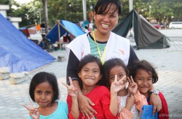 ▲ 피해 지역 아이들이 다시 밝은 미소를 되찾을 수 있도록 월드비전은 지원을 계속해 나갈 것입니다. (출처: 월드비전)