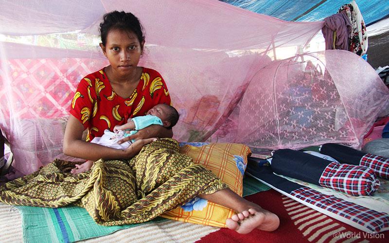▲ 난민 캠프에서의 텐트 생활은 영유아와 산모에게 참으로 열악한 환경입니다. (출처: 월드비전)