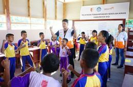 재난으로부터 안전한 학교 활동에 참가하고 있는 아이들