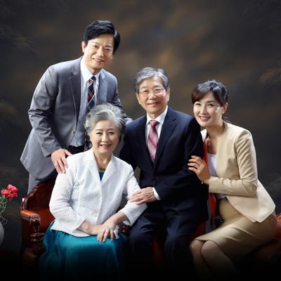 5월 가정의 달을 맞아, 소중한 가족들과 뜻깊은 추억을 '패밀리포토'와 함께 만들어보세요.