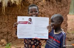 코로나19 메시지를 전달받은 우간다 비디비디 난민캠프 아동